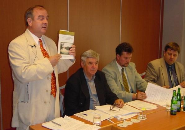 2005_alapitas